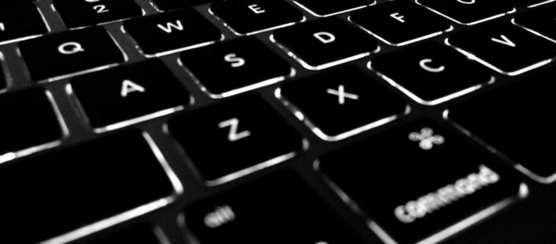 buggenhout-zamelt-laptops-in-20200503